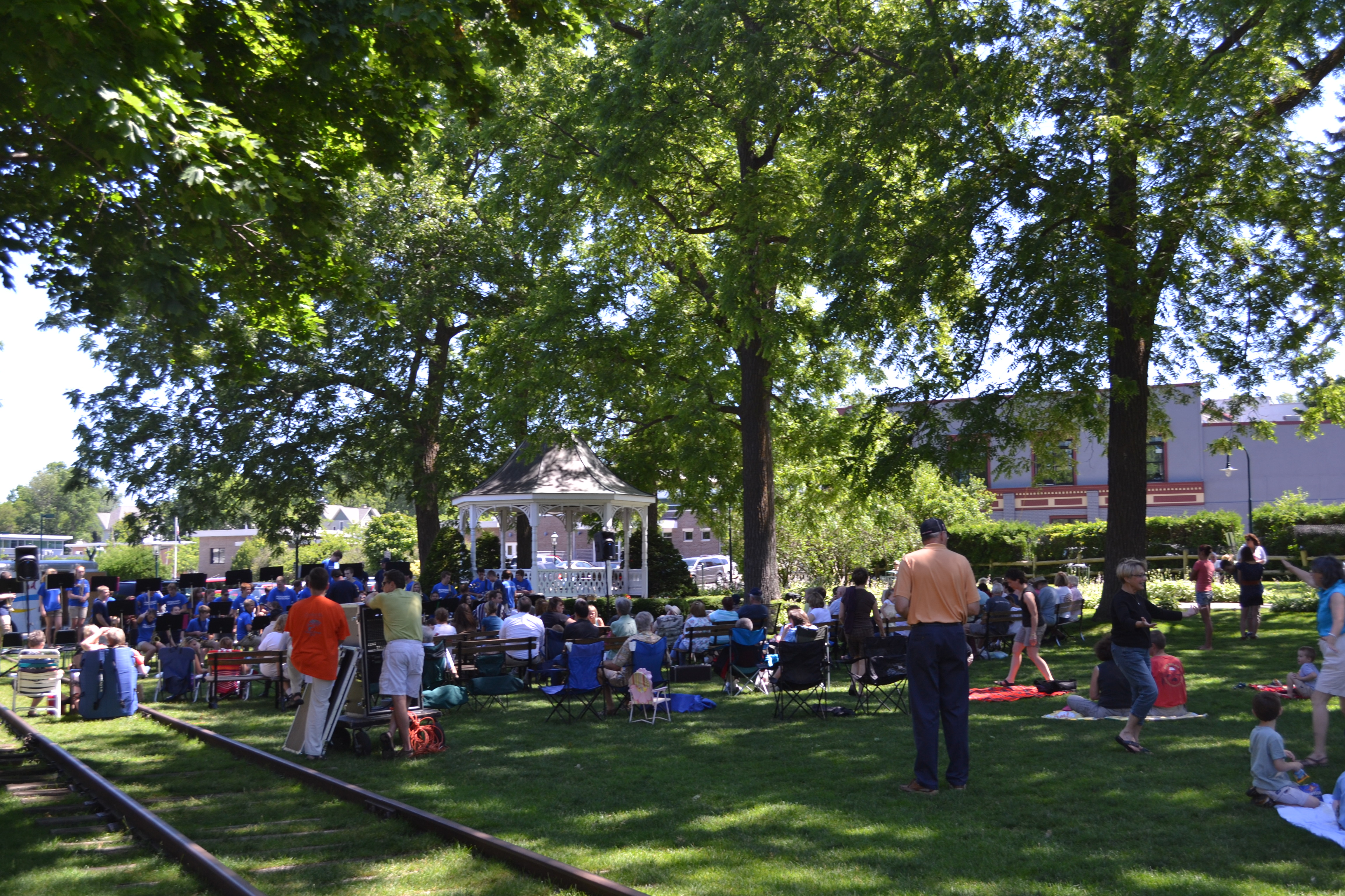 Michigan art shows and craft fairs music festivals in for Craft show in michigan